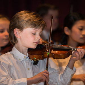 Image of Academy of Strings student playing violin